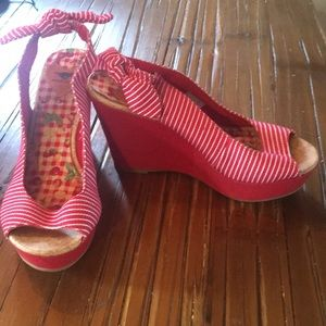 Rocket Dog Shoes - Wedge red heals